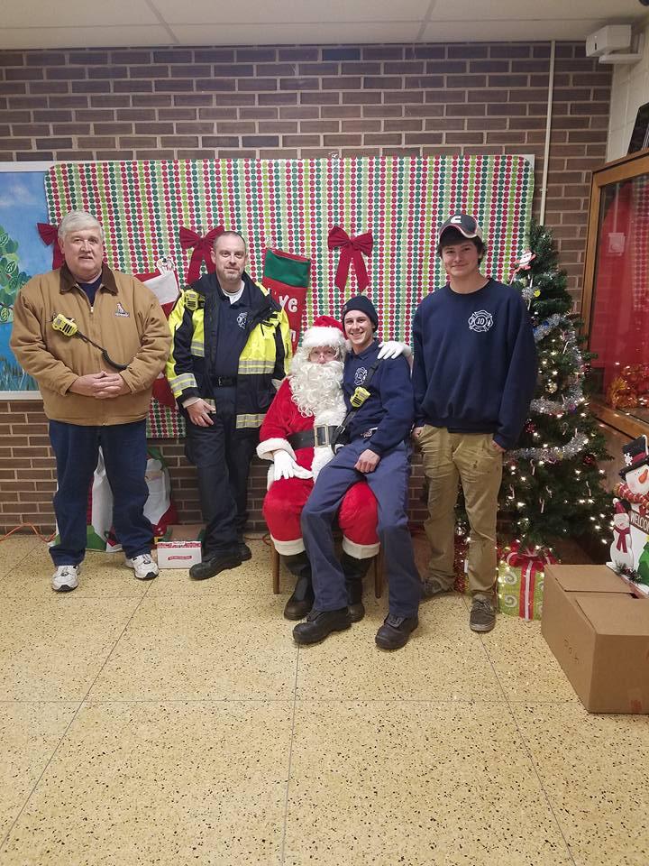 1011 Escorts Santa to Norrisville Elementary